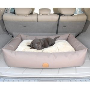 travel-pet-bed-with-puppy